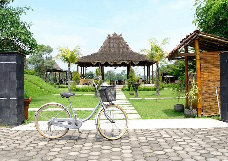 "Rekomendasi tiket.com untuk ""auto-nanjak"" di Seputar Candi Borobudur"